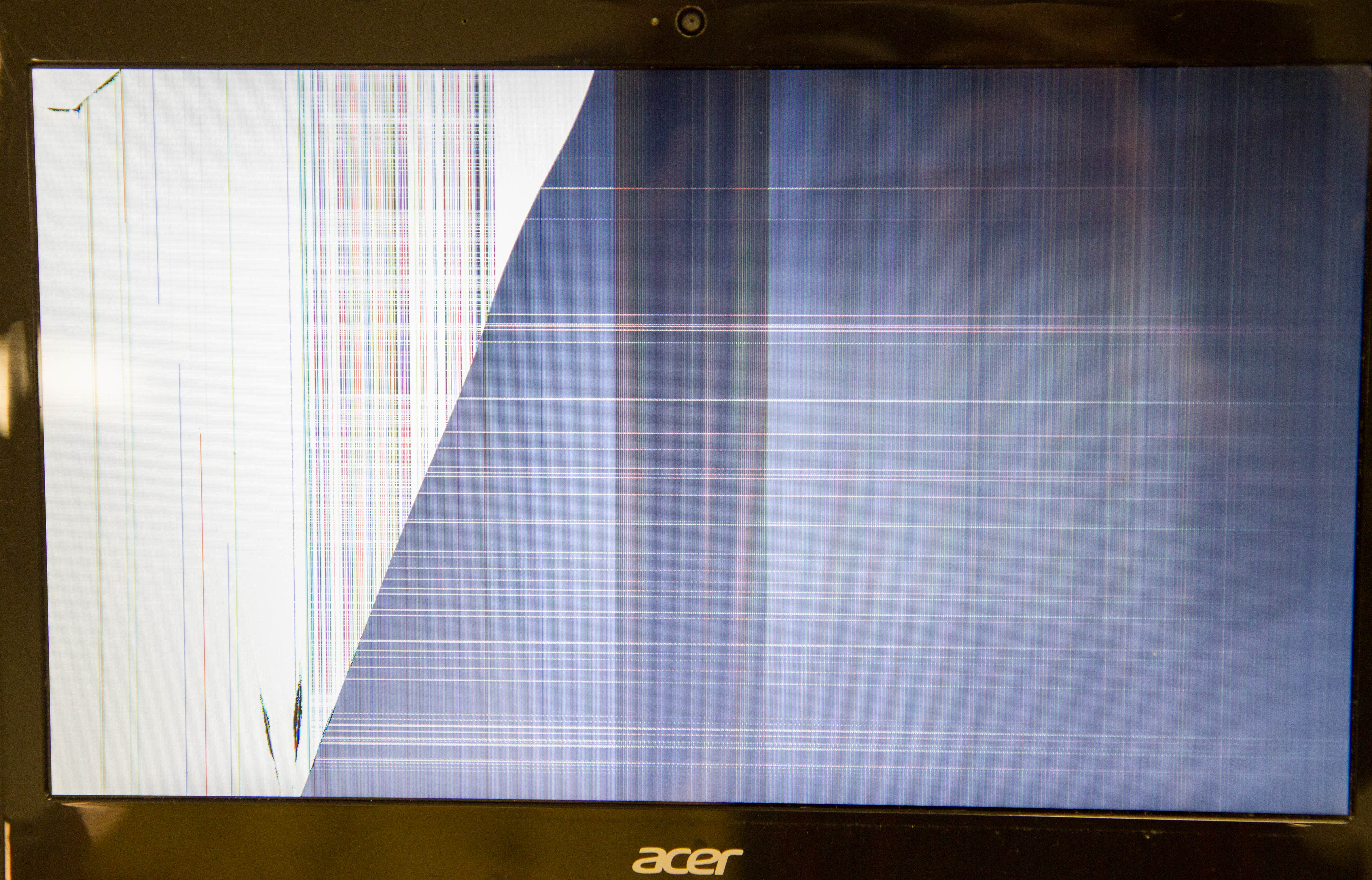 Example of a cracked LCD screen